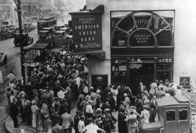 People outside American union bank during the Great Depression