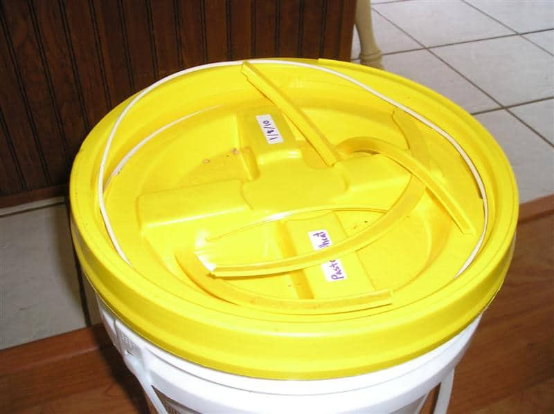food storage mistakes- broken gamma lid