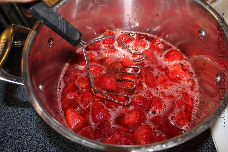 strawberry jam step 2