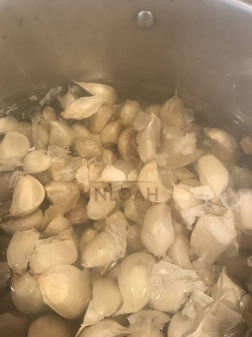 boiling garlic cloves