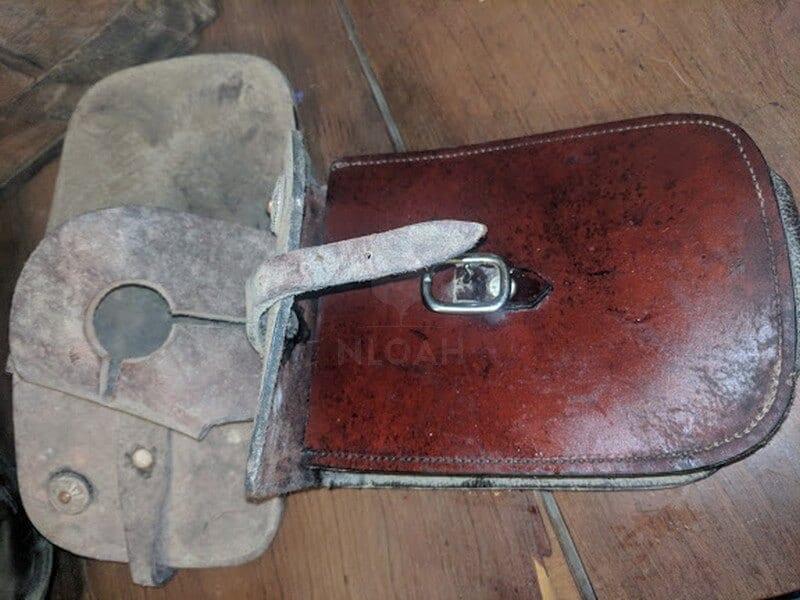 clean saddle horn bag