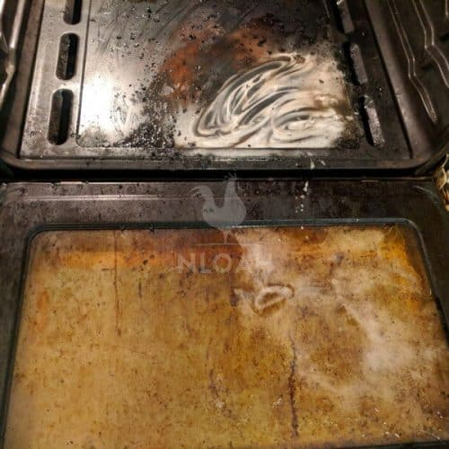 cleaning oven with baking soda and water